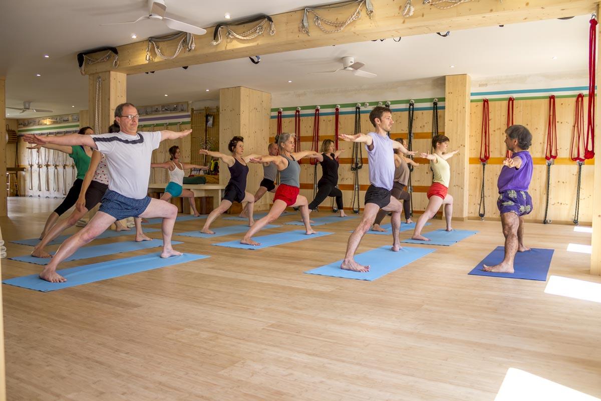 cours-de-yoga-iyengar-debutant