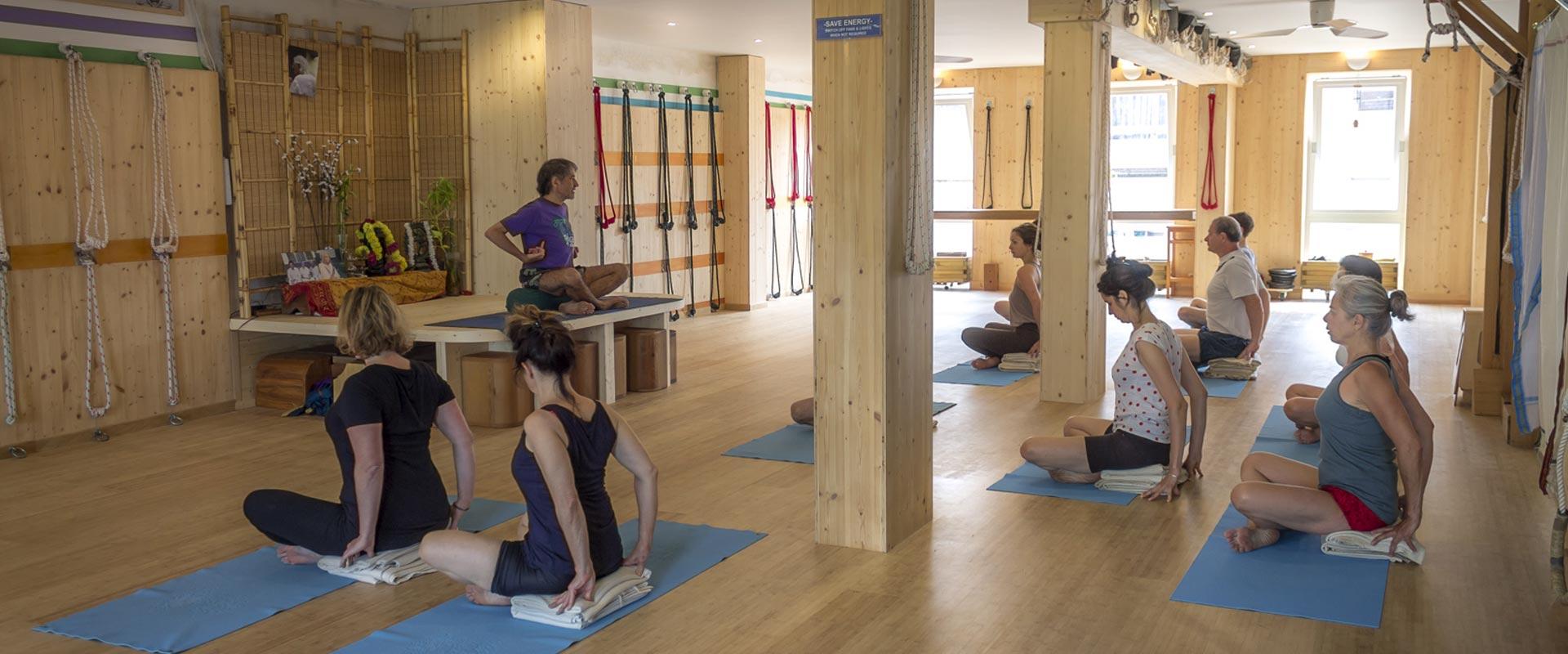 postures yoga iyengar